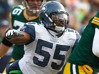 New Eagles defensive lineman Darryl Tapp is spending OTAs learning the Birds´ system. (Morry Gash/AP file photo)