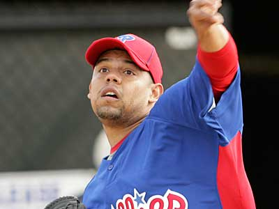 The Phillies optioned left-handed pitcher Sergio Escalona Friday. (Yong Kim / Staff Photographer)
