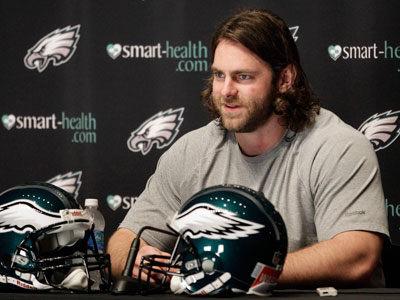 Evan Mathis signed a five-year deal to remain with the Eagles.  (Yong Kim/Staff Photographer)