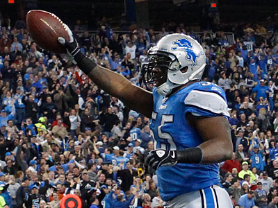 Stephen Tulloch has signed a five-year contract to remain with the Lions. (Rick Osentoski/AP Photo)