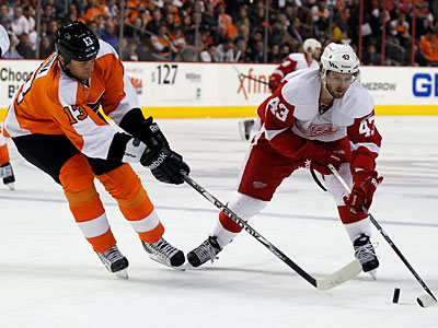 Pavel Kubina took part in the Flyers´ morning skate on Tuesday. (Alex Brandon/AP)