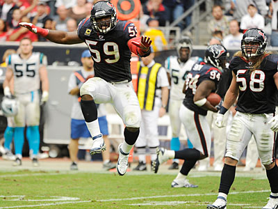 The Eagles acquired linebacker DeMeco Ryans (59) from the Texans. (AP Photo / Dave Einsel)