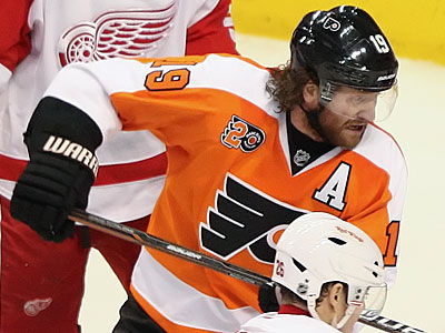 Scott Hartnell leads the Flyers with 35 goals this season. (Steven M. Falk/Staff Photographer)