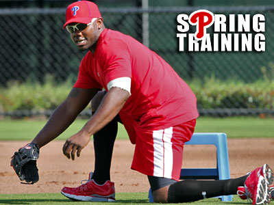Ryan Howard has been cleared to work without the boot. (David Maialetti/Staff Photographer)