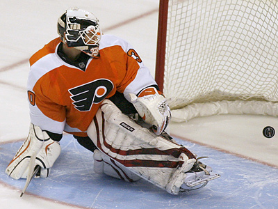 Flyers goalie Johan Backlund, seen here in a pre-season game, will make his NHL debut tomorrow. (AP Photo/H. Rumph Jr.)