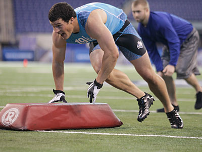 Luke Kuechly didn´t have to do much during his Pro Day at Boston College last week. (Michael Conroy/AP file photo)