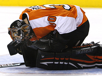 Flyers goalie Ilya Bryzgalov is day-to-day with a chip fracture in his foot. (Ron Cortes/Staff Photographer)