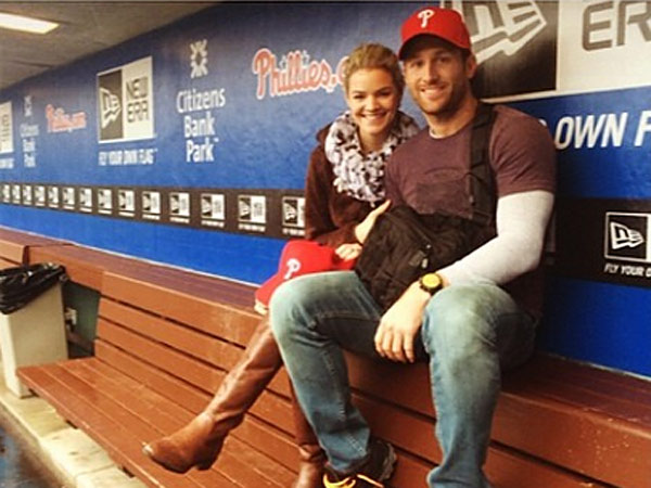 "Nikki Ferrell, winner of ABC´s ""The Bachelor,"" posted this Instagram photo along with the caption ""Be the Ultimate Teammate. Game got rained out but we still got a great tour! #Phillies"" (Image via Instagram)"