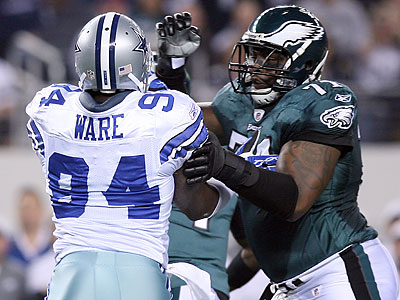 Jason Peters (right) has suffered a ruptured Achilles. (Yong Kim/Staff file photo)