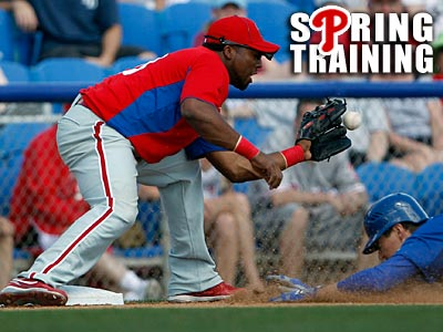 Hector Luna had three hits, including a home run, in the Phillies´ 11-7 loss to the Twins. (Yong Kim/Staff Photographer)