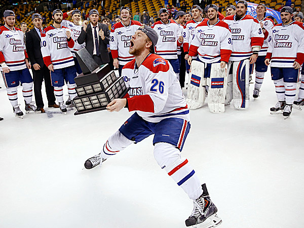 Massachusetts-Lowell´s Christian Folin. (Michael Dwyer/AP)