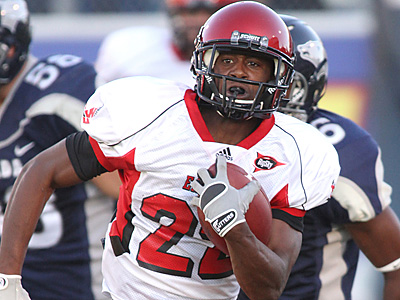 Eastern Washington´s Taiwan Jones has drawn comparisons to Brian Westbrook. (AP Photo/Cathleen Allison)