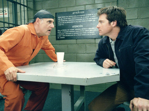 "FILE - This Sept. 19, 2004 file photo released by Fox shows Jeffrey Tambor, left, and Jason Bateman in a scene from Fox´s comedy ""Arrested Development.""  (AP Photo/Fox, File)"