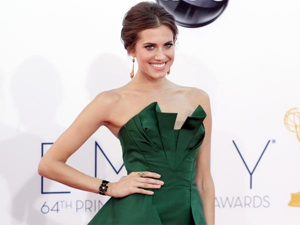 Allison Williams arrives at the 64th Primetime Emmy Awards at the Nokia Theatre on Sunday, Sept. 23, 2012, in Los Angeles. (Photo by Matt Sayles/Invision/AP)