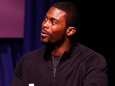 Michael Vick´s jersey climbed to No. 6 in sales last season. (Laurence Kesterson/Staff file photo)
