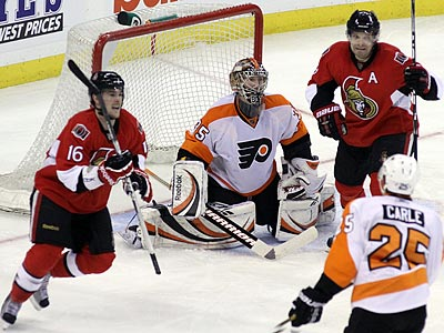 The Flyers´ 5-2 loss to Ottawa was their fourth straight. (Fred Chartrand/Canadian Press/AP)