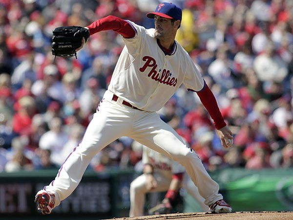 Philadelphia Phillies starting pitcher Cole Hamels throws against the<br />Kansas City Royals in the first inning of a baseball game on Sunday,<br />April, 7, 2013, in Philadelphia. (AP Photo/H. Rumph Jr)