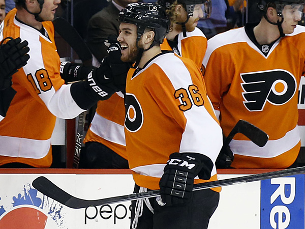 Flyers left winger Zac Rinaldo got a two-year contract extension from the team. (Yong Kim/Staff file photo)
