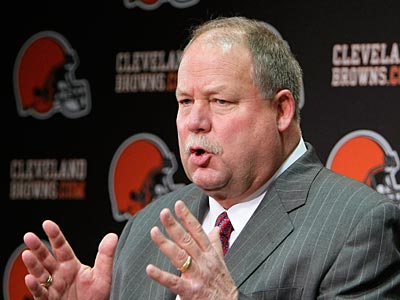 Browns president Mike Holmgren said the asking price for Donovan McNabb was too high for Cleveland. (AP Photo/Mark Duncan)