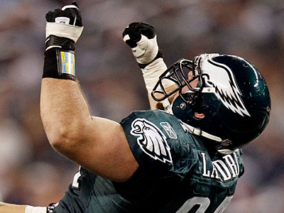 The Eagles re-signed Derek Landri to a one-year deal Monday. (Brandon Wade/AP)