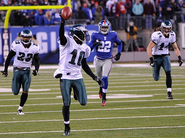 Philadelphia Eagles´ DeSean Jackson returns a punt for a touchdown during the fourth quarter of the NFL football game between the Philadelphia Eagles and the New York Giants at New Meadowlands Stadium, Sunday, Dec. 19, 2010, in East Rutherford, N.J. Jackson fielded a punt that was supposed to be kicked out of bounds and scored on an incredible 65-yard return on the final play, giving the Eagles a stunning 38-31 victory. (AP Photo/Bill Kostroun)