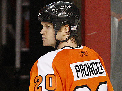 Chris Pronger has not played since March 8. (David Maialetti/Staff file photo)