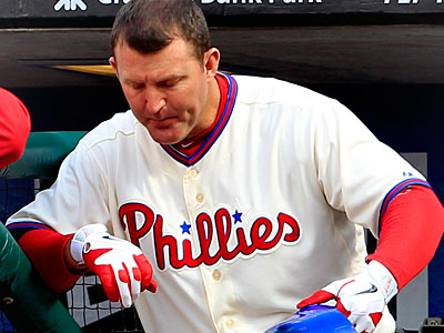 Jim Thome will get the start at first base Friday as the Phillies take on the Mets. (Ron Cortes/Staff Photographer)