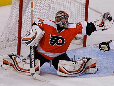 Sergei Bobrovsky made 24 saves in his first start but the Flyers were held scoreless. (Ron Cortes/Staff Photographer)