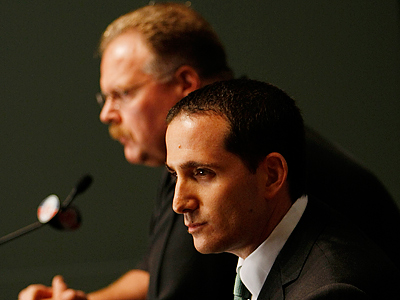 GM Howie Roseman and Andy Reid will be heading the ´war room´ during the upcoming NFL draft. (Michael S. Wirtz / Staff Photographer)