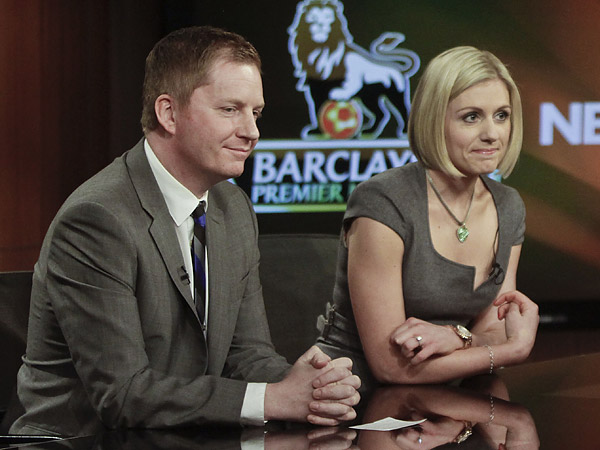 Arlo White (left), NBC´s lead soccer play-by-play voice, and studio host Rebecca Lowe (right). (Bebeto Matthews/AP)