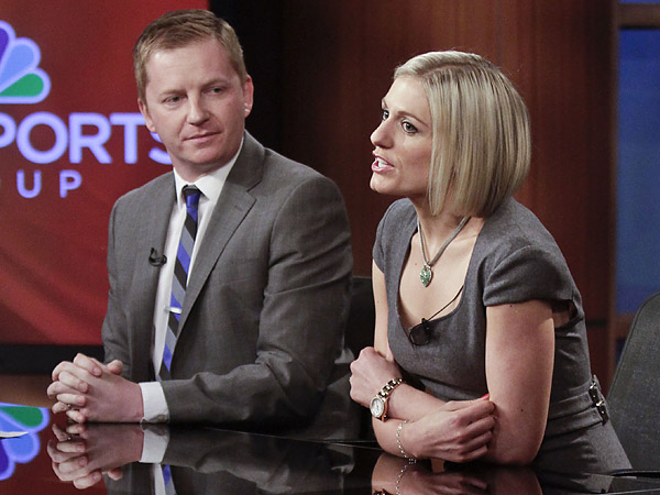 Arlo White (left) with NBC´s new Premier League studio host Rebecca Lowe (right). (Bebeto Matthews/AP)
