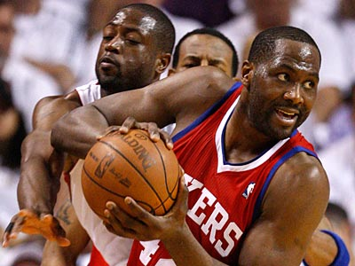 What is Elton Brand´s future with the Sixers? (Ron Cortes/Staff File Photo)