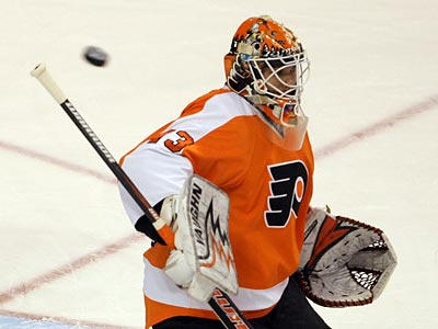 Martin Biron made 26 saves in the Flyers´ 6-3 Game 3 win over Pittsburgh at the Wachovia Center. (Yong Kim/Staff Photographer)