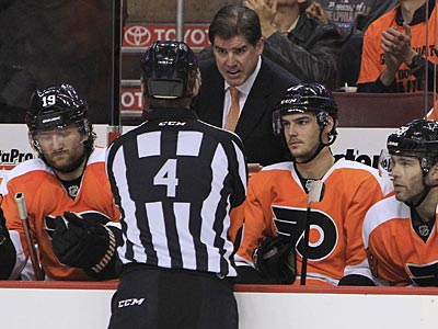 Peter Laviolette´s Flyers hold a 3-1 series lead over the Penguins heading into Game 5. (Ron Cortes/Staff Photographer)