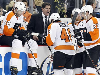 The Flyers will sign Peter Laviolette to a contract extension, according to Paul Holmgren. (Yong Kim/Staff Photographer)