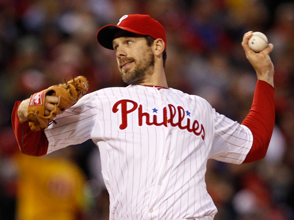 Cliff Lee delivers a pitch against the Cardinals in first inning. (Ron Cortes/Staff Photographer)