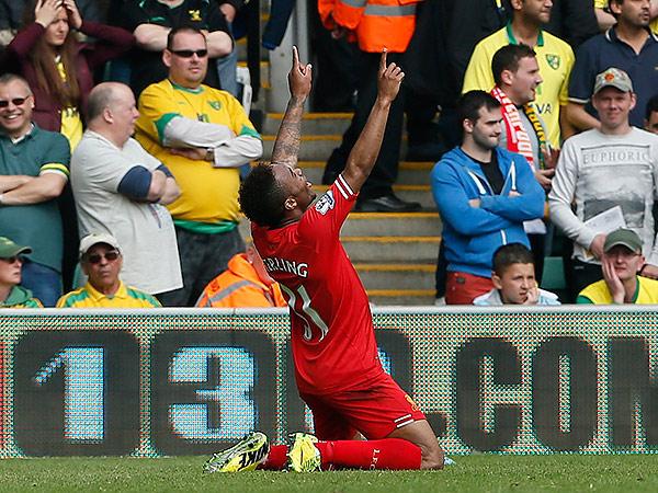 Liverpool´s Raheem Sterling celebrates his second goal against Norwich City. (Stefan Wermuth/Reuters)