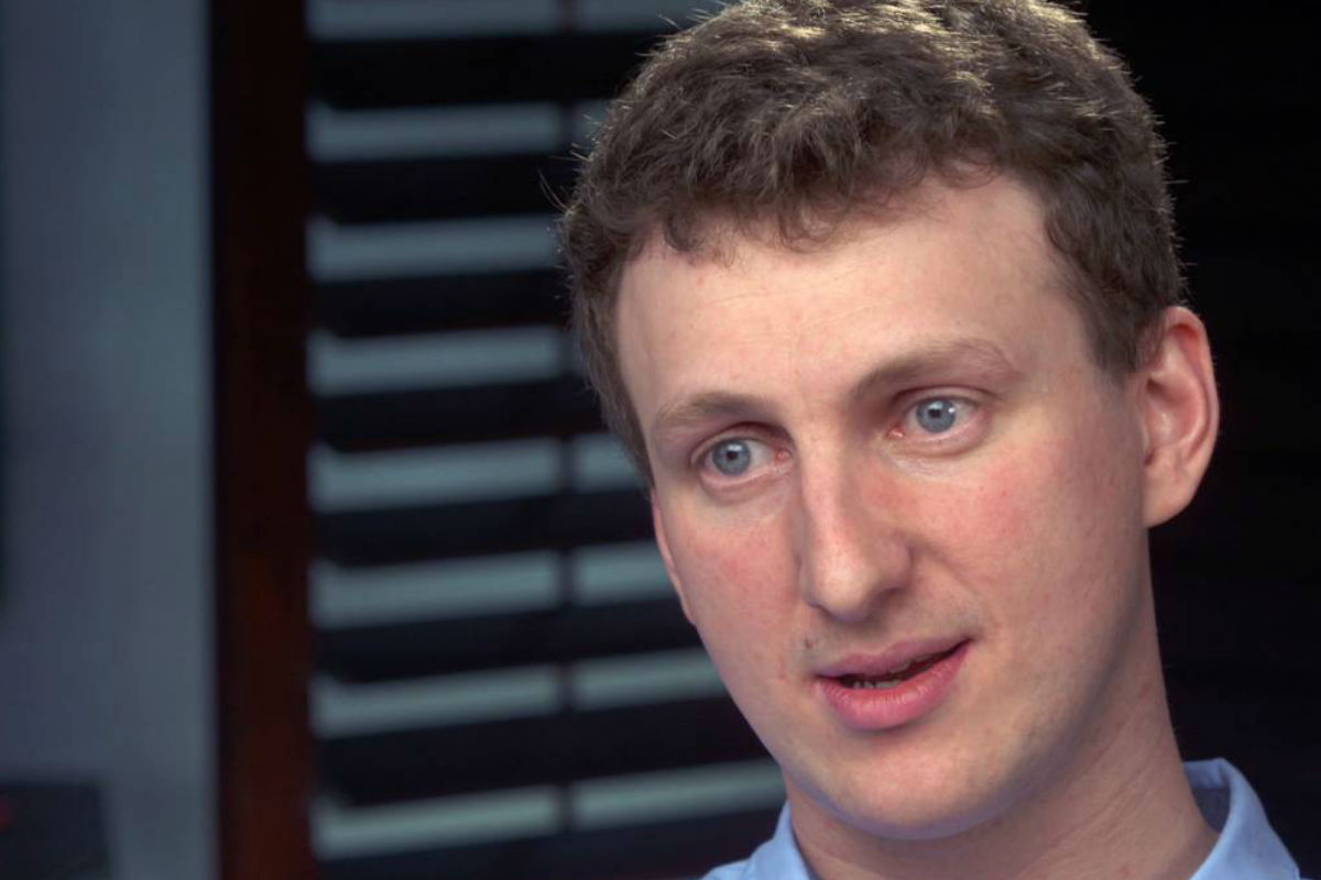 """This image made from a video provided by CBS News/60 Minutes shows Cambridge University researcher Aleksandr Kogan during an interview with CBS´s """"60 Minutes."""" Kogan, the academic at the center of the Facebook data-misuse scandal, apologized during the interview which aired on Sunday, April 22, 2018."""