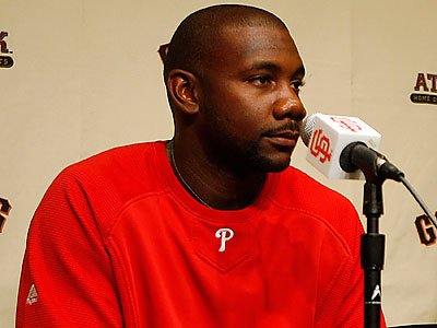 """I wanted to stay in Philadelphia,"" Ryan Howard said. ""I´ve had fun here."" (Marcio Jose Sanchez/AP)"