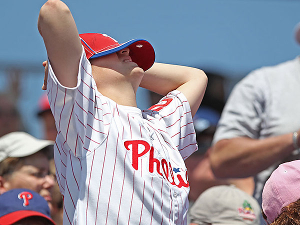 A young Phillies´ fan just can´t watch anymore.