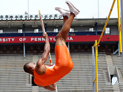 Marcos Sanchez from Puerto Rico pole vaults in the decathalon at the Penn Relays. (Laurence Kesterson/Staff Photographer)