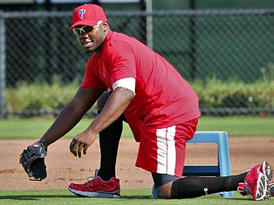 Phillies first baseman Ryan Howard tweeted that he´s begun rehab in Clearwater. (David M Warren/Staff file photo)