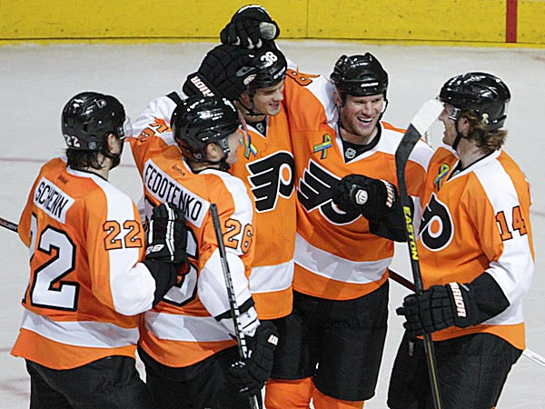 043013-flyers-goal-600