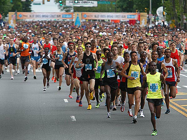 The 40,000 runners ready to compete in Sunday´s 34th annual Broad Street Run found a different way to reach the starting line this year. (Akira Suwa/Staff file photo)