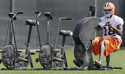 Carlton Mitchell works out at minicamp for the Cleveland Browns. (AP photo / Amy Sancetta)