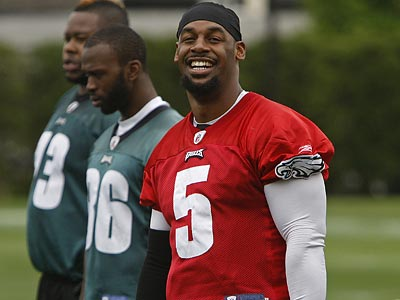 Donovan McNabb was all smiles during mini-camp drills over the weekend. (Michael S. Wirtz/Staff Photographer)