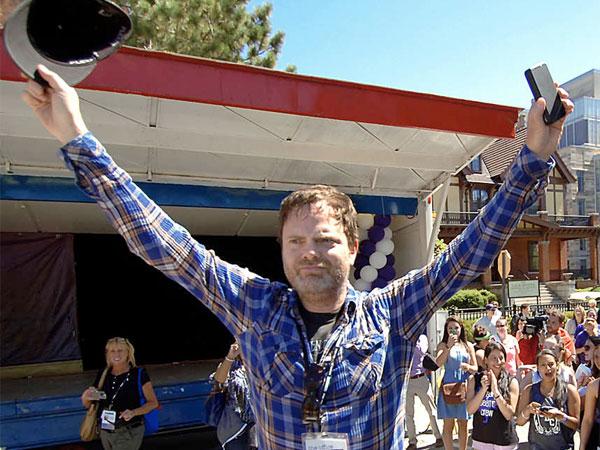 Rainn Wilson waves to fans. (AP Photo)