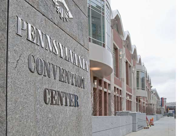 The Pennsylvania Convention Center has reached labor agreements with four of the six unions that do work at the center. (DAVID M. WARREN / STAFF PHOTOGRAPHER)