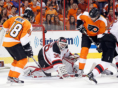 Since scoring the game´s first goal, the Flyers have struggled against Devils goaltender Martin Brodeur. (Yong Kim/Staff Photographer)