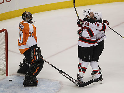 The Devils´ go-ahead goal snuck by Flyers goalie Ilya Bryzgalov in the first period. (Yong Kim/Staff Photographer)